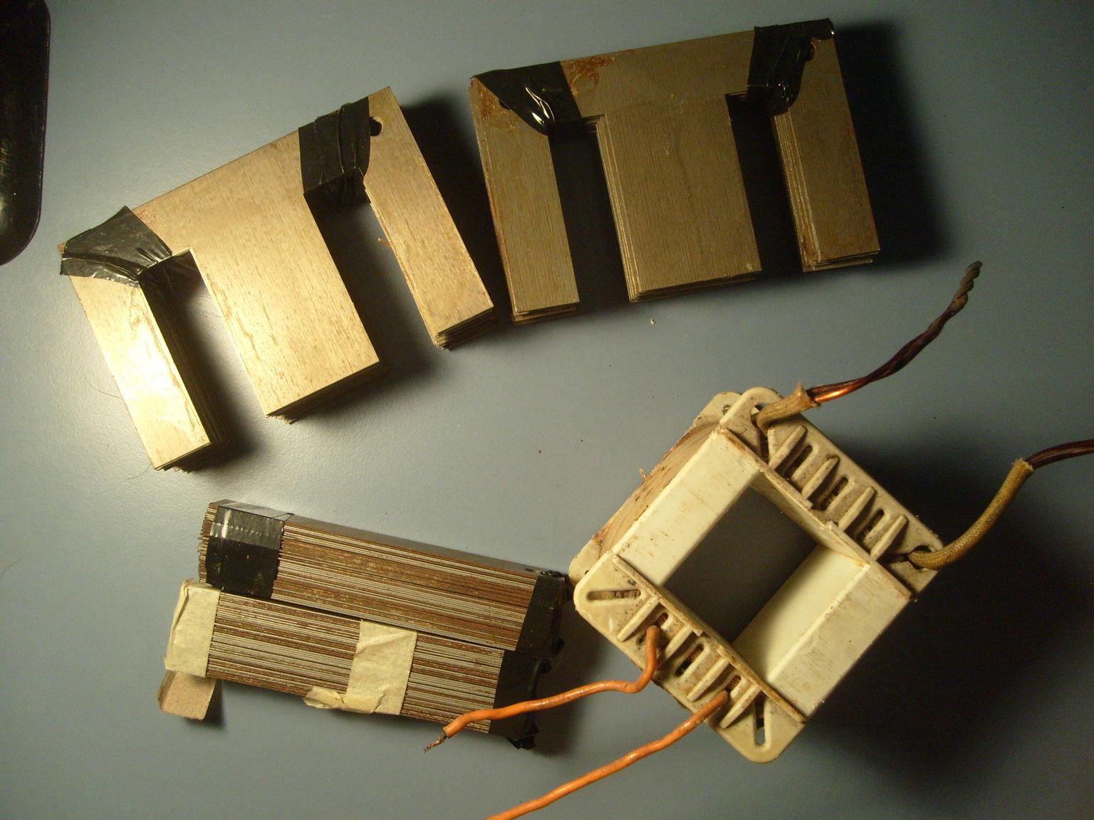 Transformador de lamparas dicroicas rebobinado para filamentos de valvulas. 6.3Vct, 12.6Vct, 5V, 2.5V. 500W total. Antes